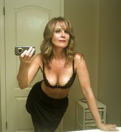 Why cougars like dating younger guy and younger men are into looking for older women